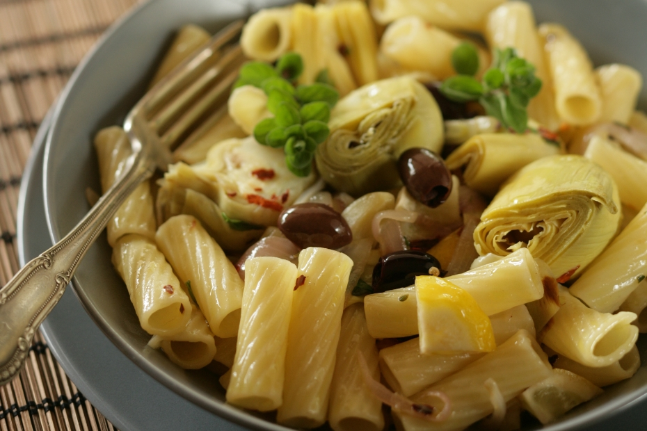 pasta with Kalamata olives and artichokes