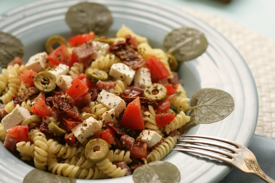 SUMMER-PASTA-SALAD_GREEK-STYLE