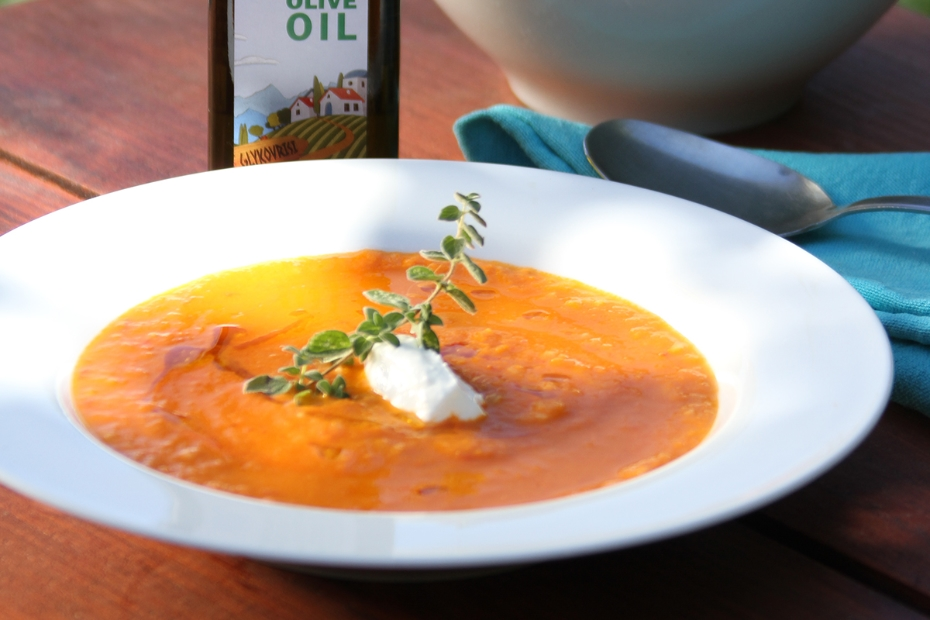 Fresh tomato soup with vrisi 36 olive oil, Greek yogurt and bulgur