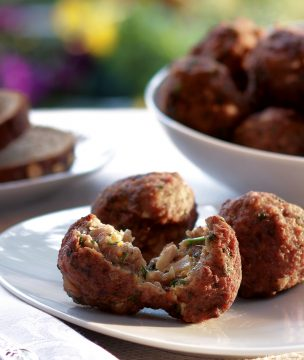 Meatballs from Corfu with curry