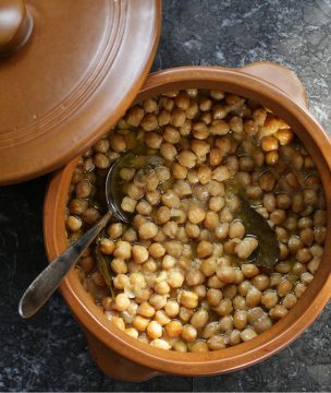 Chick Peas baked in clay