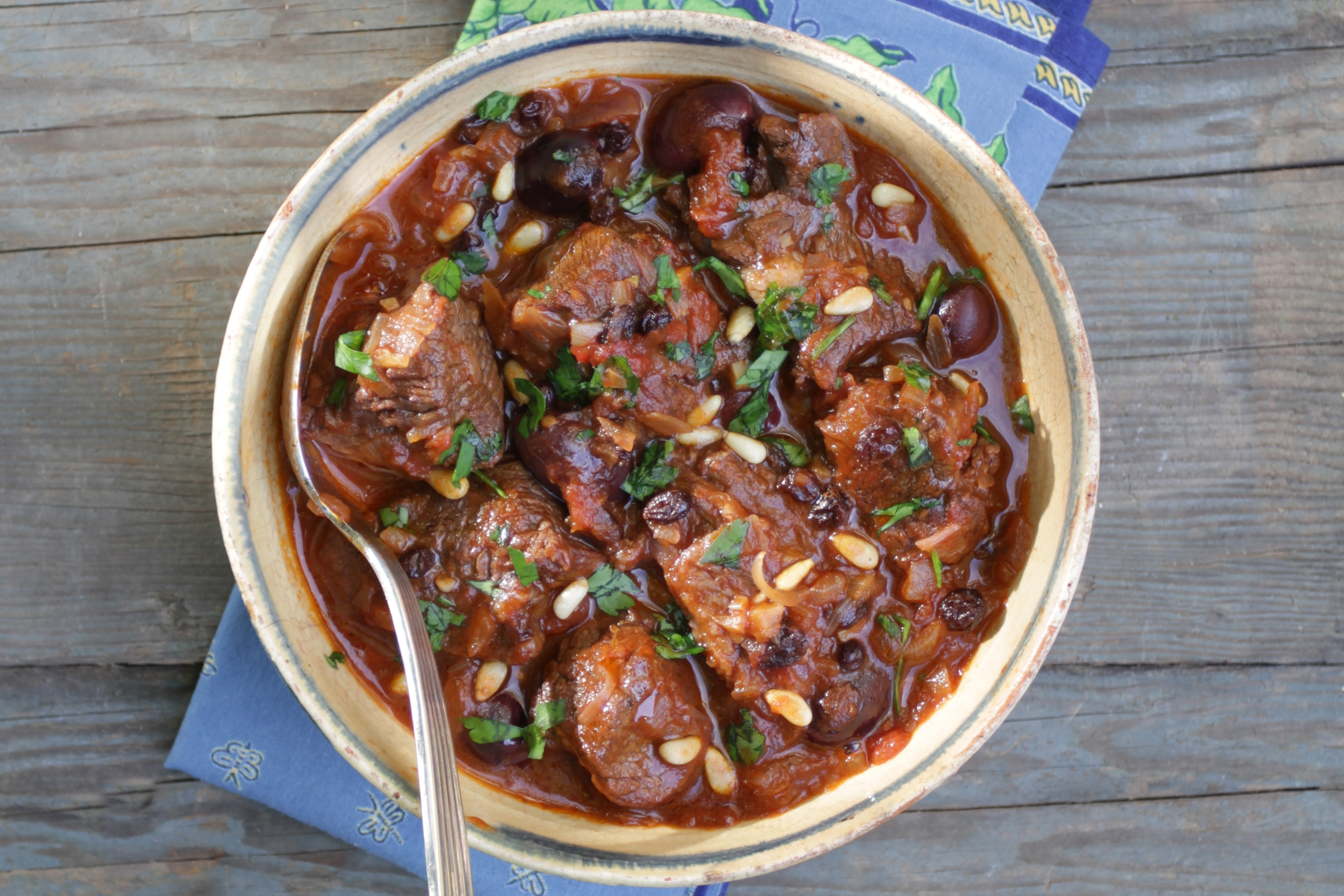 Sweet-&-Sour-Beef-Stew,-Olives,-Honey,-Raisins