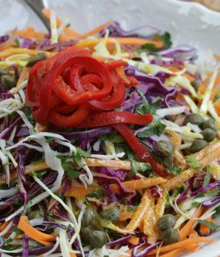 Constantinople Style Spicy Cabbage Salad / Politiki Lahanosalata