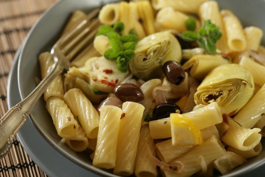 pasta with Kalamata olives and artichokes
