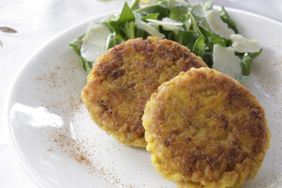 Leek and rice patties with saffron