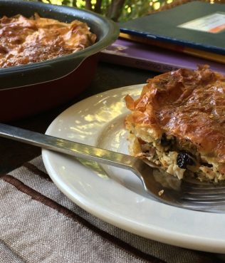 Chicken Pie with Raisins and Onions