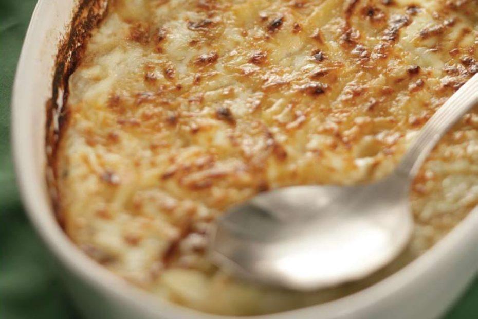 Potatoes au gratin with feta cheese