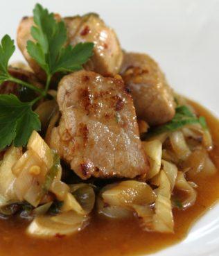 Pan-fried Pork with Leek (Prasotigania)