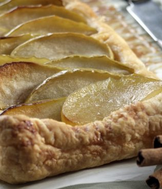 Easy as Pie Apple Tart!