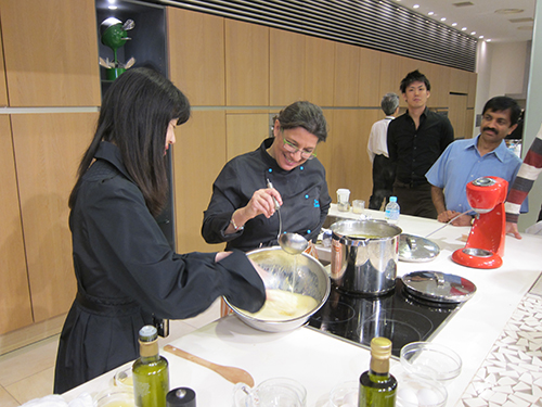 TOKYO_WHISKING-AVGOLEMONO-FOR-FISH-SOUP-KAI-HOUSE