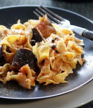 Limnos Style Pasta with Eggplant Sauce / Pseftopetino tis Limnou