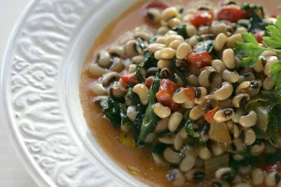 Black-Eyed Peas with Greens and Fennel / Mavromatika me