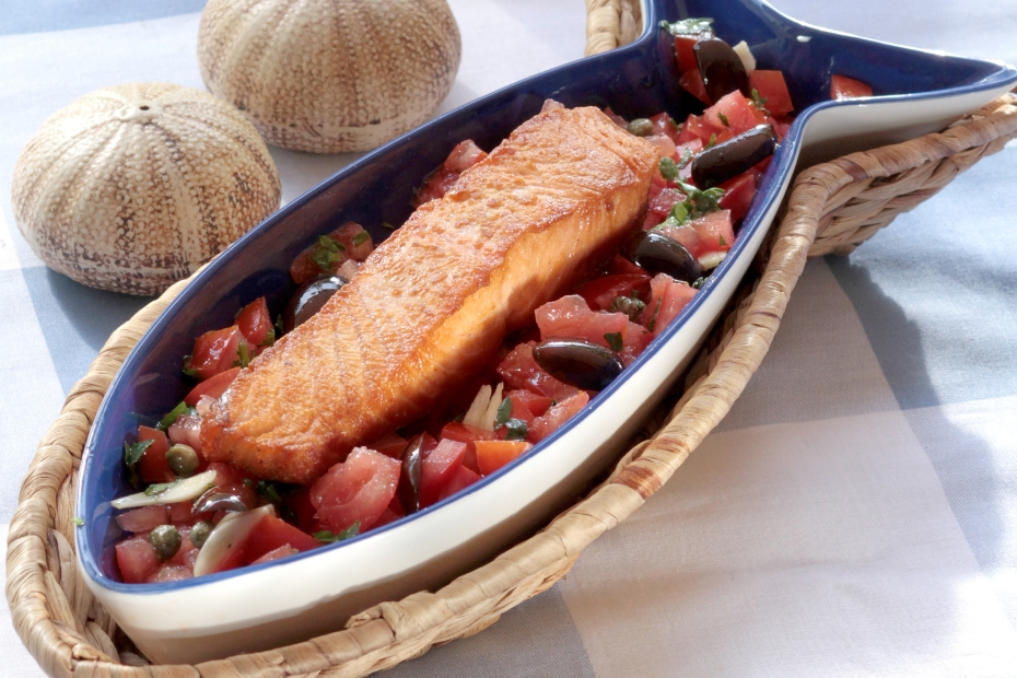 Salmon Baked with tomatoes and Greek olives