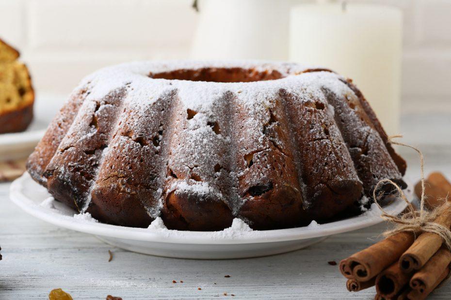 Fanouropita, the Greek vegan spice cake