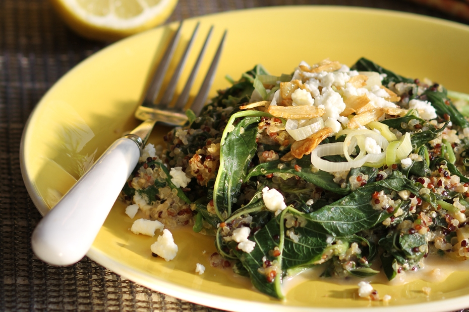 Greek recipe for spinach pilaf made with quinoa