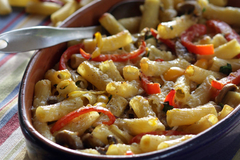 Baked pasta with fall peppers and mushrooms.
