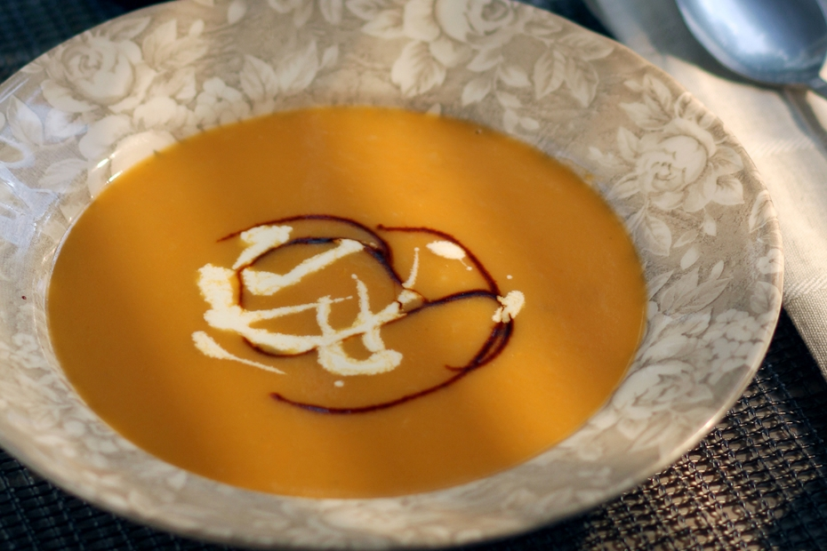 Greek recipe for Pumpkin-Roasted Sweet Potato, Pumpkin, Carrot Soup