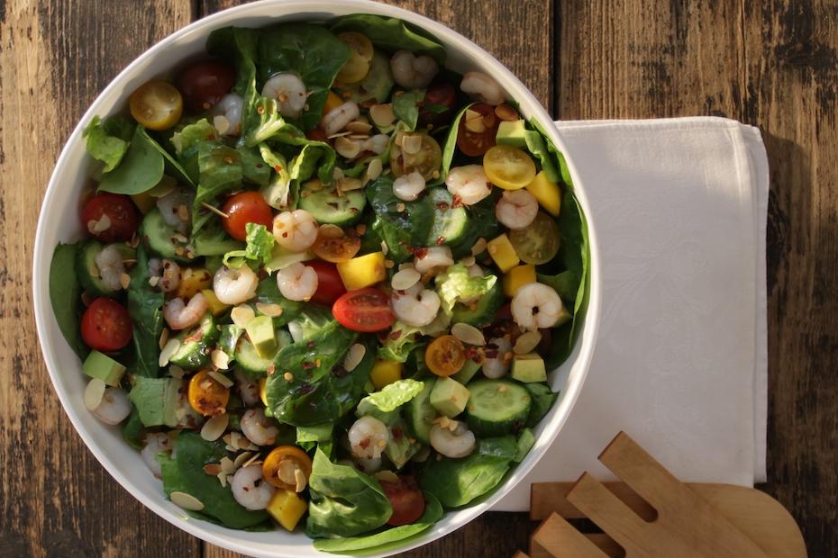 Lettuce Salad With Mango Avocado Shrimp Tomatoes Greek Food