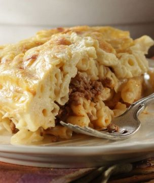 http _i2.cdn.cnn.com_cnnnext_dam_assets_170829124145-5-greek-food-bloggers---pastitsio---diane-kochilas-super-169