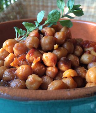simple claybaked chickpeas