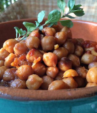 Clay-Baked Chick Peas