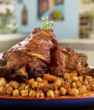 Braised Chickpeas with Spicy, Aromatic Pork Shanks