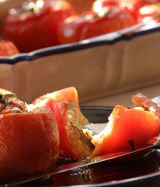 Tomatoes Stuffed with Trahana
