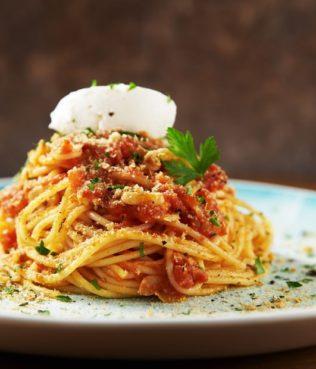 Skordomakaronada - Crunchy Garlic-Rusk Pasta
