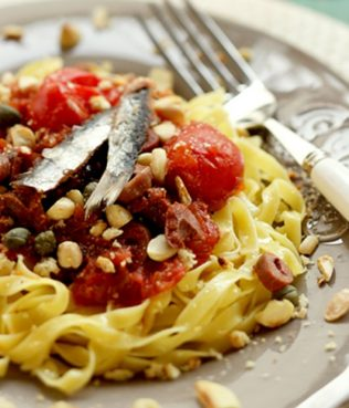 Easy Pasta with Tomatoes, Olives, Capers and Anchovies