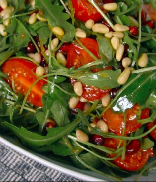 Superfood Arugula Salad with Pomegranate, Pine Nuts and Tomatoes